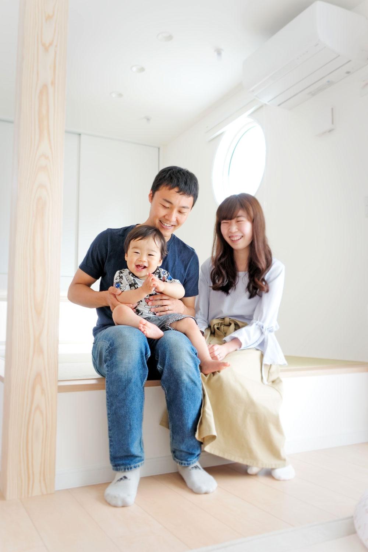鎌ケ谷市の注文住宅「開放的な芝生の庭と、ウッドデッキで憩いのある家」